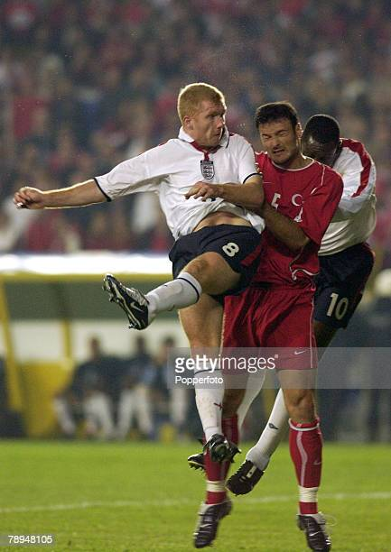 sport football european championship qualifier istanbul 11th october 2003 turkey 0 v england 0 england s paul
