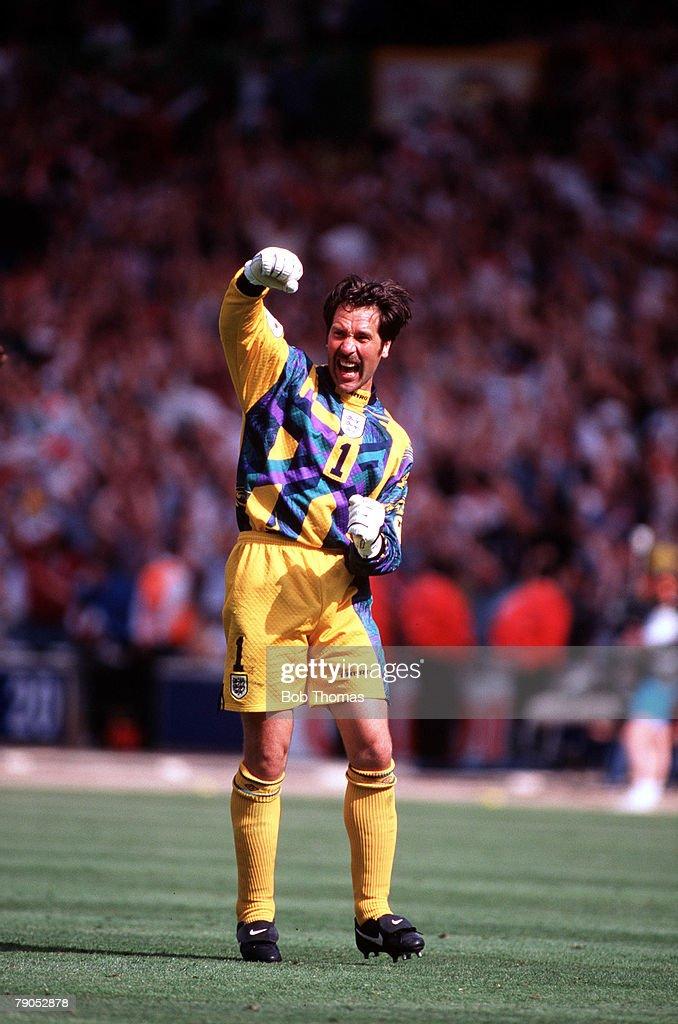 Sport, Football, European Championships, 15th, June 1996, (WEMBLEY), England 2 v 0 Scotland, Goalkeeper David Seaman celebrates Paul Gascoigne's goal