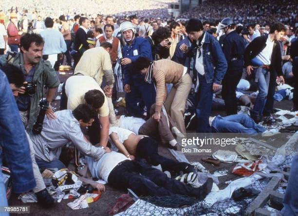Sport Football European Cup Final Brussels 29th May 1985 Liverpool 0 v Juventus 1 Dead and dying fans lie on the Juventus terrace