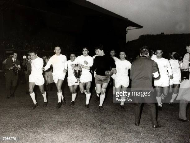 Sport Football European Cup Final Hampden Park Glasgow 18th May 1960 Real Madrid 7 v Eintracht Frankfurt 3 Real Madrid celebrate their victory the...