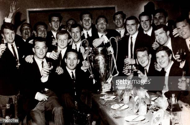 Sport Football European Cup Final Lisbon Portugal 25th May 1967 Celtic 2 v Inter Milan 1 The Celtic team are pictured with the trophy at their...