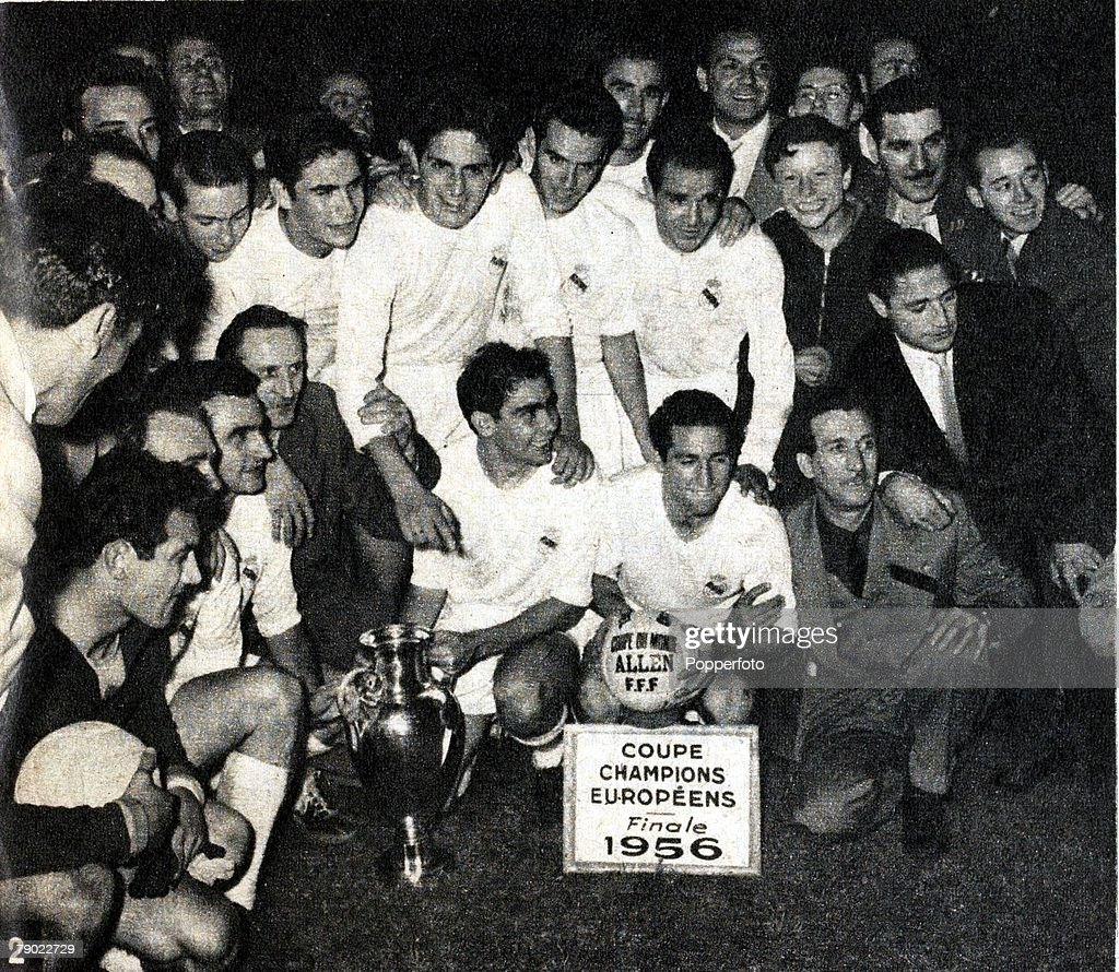 Sport. Football. European Cup Final. Paris, France. 13th June 1956. Real Madrid 4 v Reims 3. The victorious Real Madrid side celebrate with the trophy after the game, the first European Cup Final. : News Photo