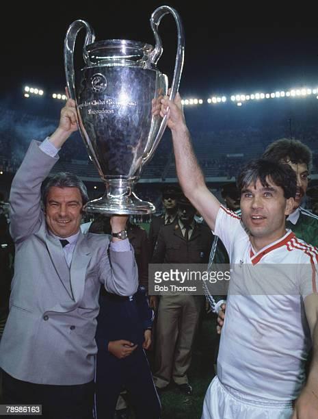 Sport Football European Cup Final Seville 7th May 1986 Steaua Bucharest 0 v Barcelona 0 Steaua won 2 0 on penalties Bucharest's manager Emeric Jenei...