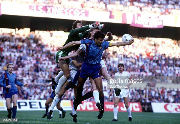 Sport Football European Cup Final Seville Spain 7th May 1986 Barcelona 0 v Steaua Bucharest 0 Barcelona's Jose Ramon Alesanco attempts to head the...
