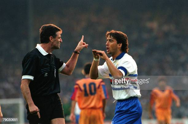 Sport Football European Cup Final Wembley London England 20th May 1992 Barcelona 1 v Sampdoria 0 Sampdoria's Roberto Mancini argues a point with...