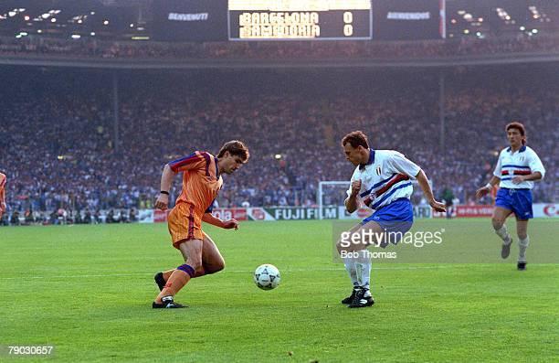 Sport Football European Cup Final Wembley London England 20th May 1992 Barcelona 1 v Sampdoria 0 Barcelona's Julio Salinas takes on Sampdoria's...
