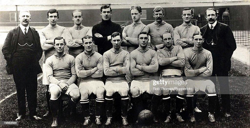 Sport, Football, Everton F,C, 1909-1910, Back row L-R: W,Cuff, Secretary, V,Harris, R,Balmer, W,Scott, J,Maconachie, J,Taylor, H,Makepeace, J,Elliott, trainer, Front row L-R: J,Sharp, captain, J,Coleman, W,White, B,Freeman, A,Young, R,Turner