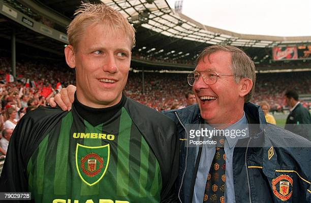 Sport Football FA Charity Shield Wembley London England 3rd August 1997 Manchester United 1 v Chelsea 1 Manchester United Manager Alex Ferguson...