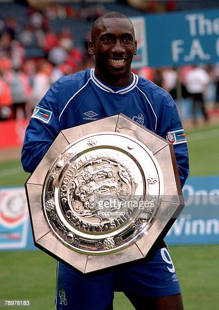 Sport Football FA Charity Shield Wembley13th August Chelsea 2 v Manchester Utd 0Jimmy Floyd Hasselbaink scorer of the first goal holds the FA Charity...