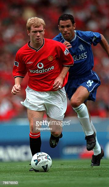 Sport Football FA Charity Shield Wembley13th August Chelsea 2 v Manchester Utd 0Manchester United's Paul Scholes on the ball