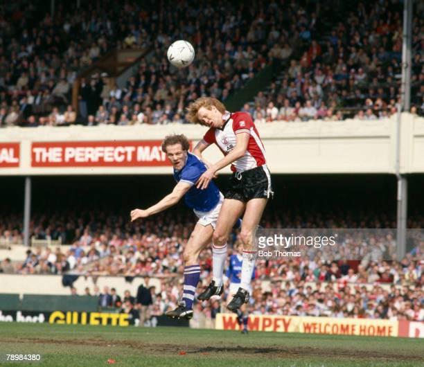 Sport Football FA Cup SemiFinal at Highbury Southampton 0 v Everton 1 aet pic 14th April 1984 Everton striker Andy Gray left contests a high ball...