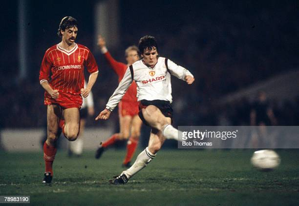 Sport Football FA Cup SemiFinal Replay at Maine Road Manchester United 2 v Liverpool 1 pic 17th April 1985 Manchester United striker Mark Hughes...