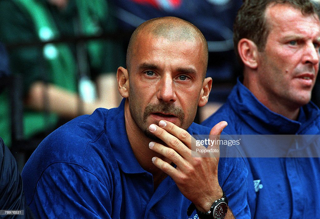 Sport, Football. F.A.Charity Shield, Wembley.13th, August. 2000. Chelsea 2 v Manchester Utd 0.Chelsea Manager Gianluca Vialli. : News Photo