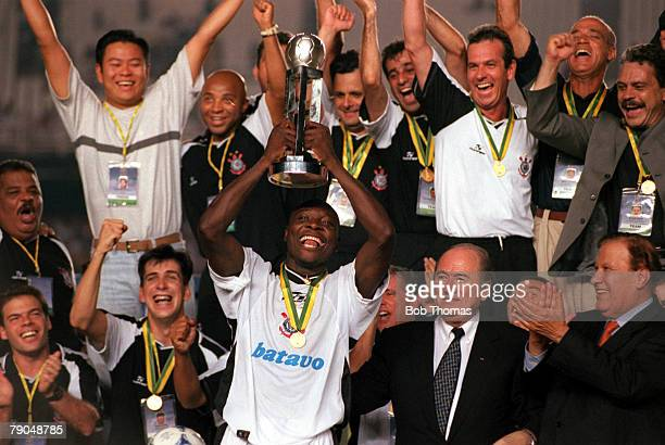 Sport Football FIFA Club World Championships Final Rio De Janeiro Brazil 14th January Corinthians 0 v Vasco Da Gama 0 Corinthians' captain Freddy...