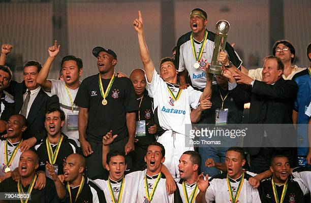 Sport Football FIFA Club World Championships Final Rio De Janeiro Brazil 14th January Corinthians 0 v Vasco Da Gama 0 The Corinthians' team celebrate...