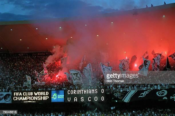 Sport Football FIFA Club World Championships Final Rio De Janeiro Brazil 14th January Corinthians 0 v Vasco Da Gama 0 A blanket of red smoke covers...