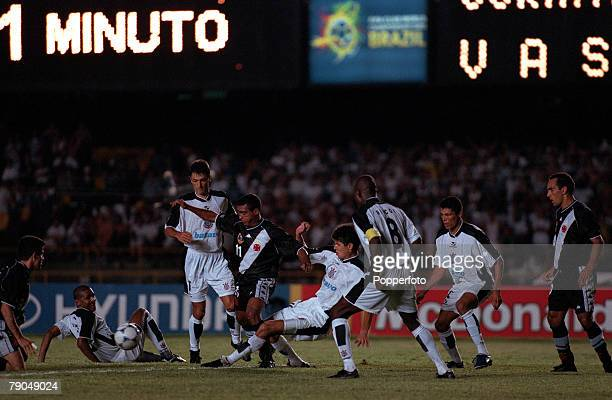 Sport Football FIFA Club World Championships Final Rio de Janeiro Brazil 14th January 2000 Corinthians 0 v Vasco Da Gama 0 Vasco Da Gama's Romario is...