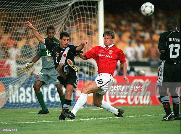 Sport Football FIFA Club World Championships Rio de Janeiro Brazil 8th January 2000 Vasco Da Gama 3 v Manchester United 1 Vasco Da Gama's Jorginho...