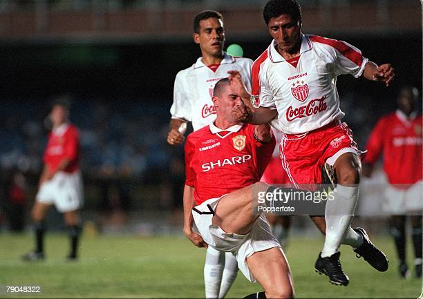 Sport Football FIFA Club World Championships Rio de Janeiro Brazil 6th January 2000 Manchester United 1 v Necaxa 1 Manchester United's captain Roy...
