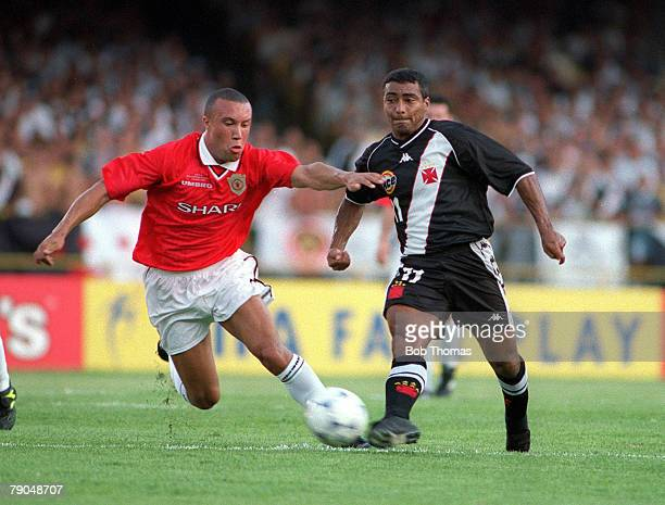 Sport Football FIFA Club World Championships Rio de Janeiro Brazil 8th January 2000 Vasco Da Gama 3 v Manchester United 1 Manchester United's Mikael...