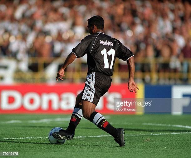 Sport Football FIFA Club World Championships Rio de Janeiro Brazil 8th January 2000 Vasco Da Gama 3 v Manchester United 1 Vasco Da Gama's Romario on...
