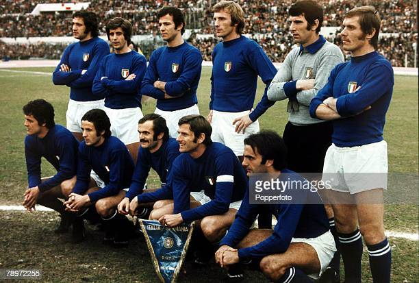 Sport Football Friendly International in Rome Italy v West Germany Italy team group Back row lr Chinaglia Rivera Spinosi Morini Zoff and Benetti...