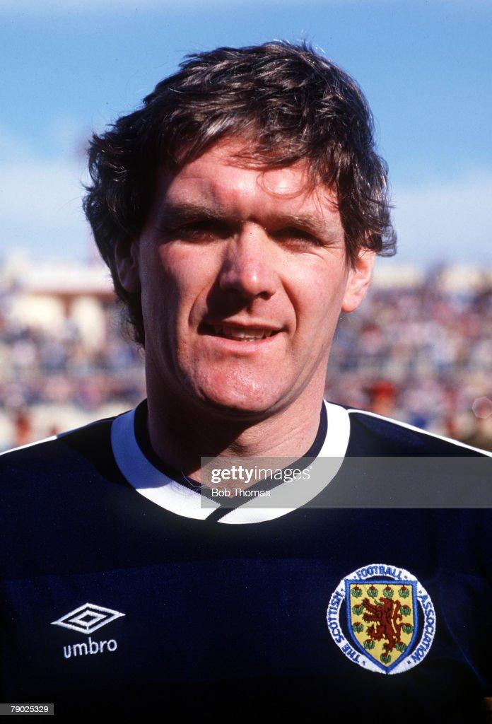 Sport. Football. Friendly International. Valetta. 22nd March 1988. Malta 1 v Scotland 1. Scotland's Roy Aitken. : News Photo