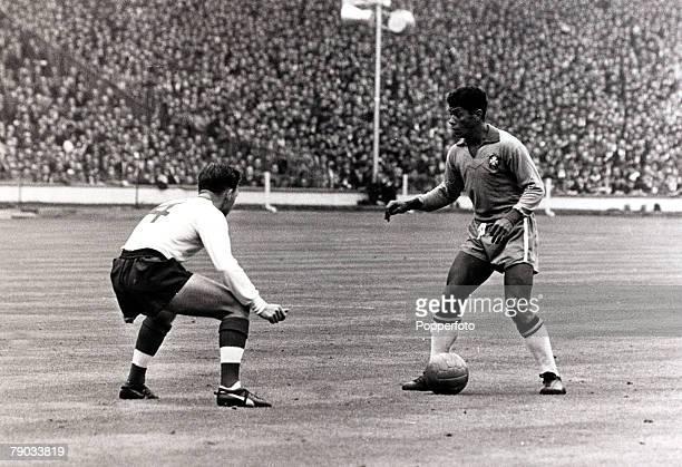 Sport Football Friendly International Wembley London 8th May 1963 England 1 v Brazil 1 Brazil striker Amarildo is confronted by England's Gordon Milne