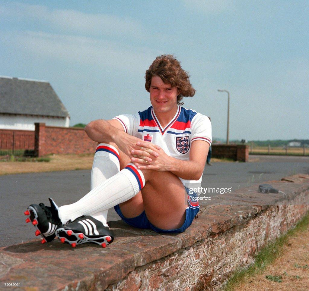 Sport. Football. 1980. Glenn Hoddle of Tottenham Hotspur and England. : News Photo