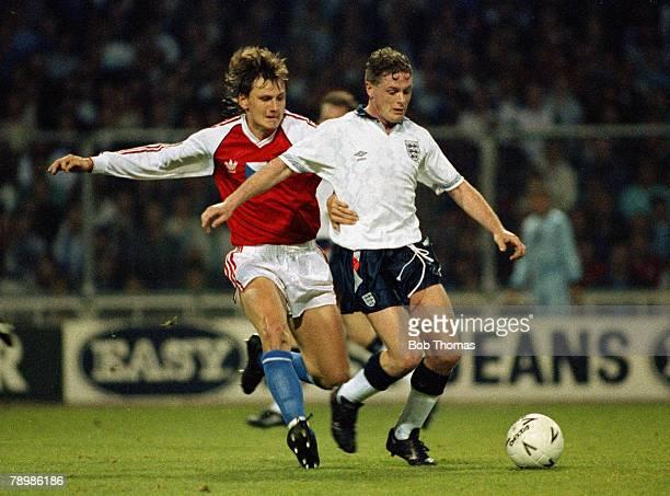 Sport, Football, International Friendly, Wembley, 25th April 1990, England 4 v Czechoslovakia 2, England's Paul Gascoigne on the ball challenged by...