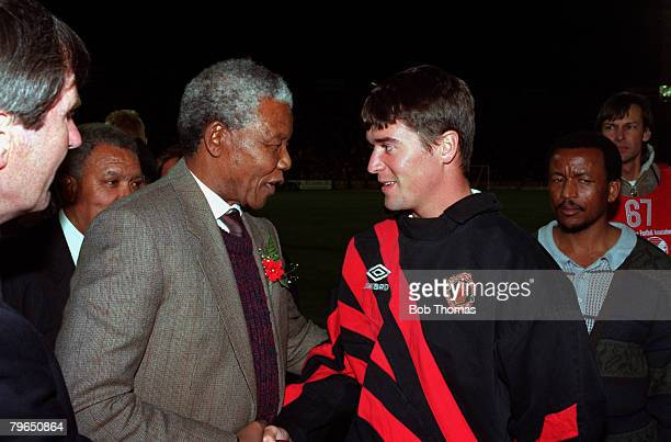 Sport, Football, Johannesburg, South Africa, July 1993, Manchester United's Roy Keane shakes hands with Nelson Mandela