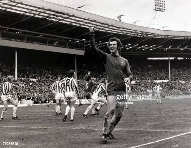 Sport Football League Cup Final Wembley London England 4th March 1972 Stoke City 2 v Chelsea 1 Chelsea striker Peter Osgood celebrates after scoring...