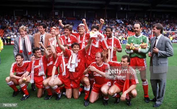 Sport Football League Division One Anfield England 28th April 1990 Liverpool 2 v Queens Park Rangers 1 The Liverpool firstteam squad celebrate after...