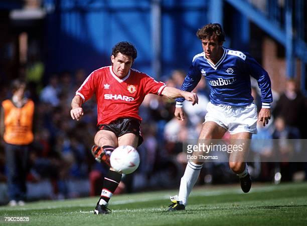 Sport Football League Division One Filbert Street England 6th September 1986 Leicester City 1 v Manchester United 1 Manchester United's Arthur...