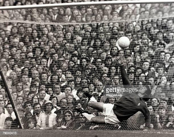 Sport Football League Division One Highbury London England 11th September 1971 Arsenal v Leeds United Leeds United goalkeeper David Harvey makes a...