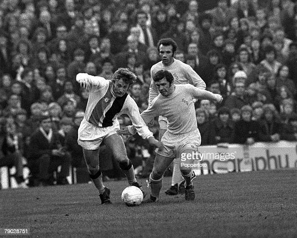 Sport Football League Division One Selhurst Park London England 18th November 1972 Crystal Palace 2 v Leeds United 2 Crystal Palace's Steve Kember is...