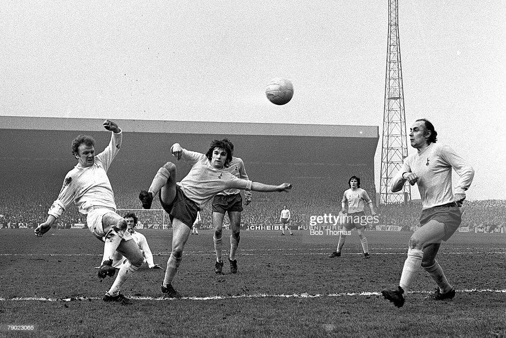 Sport. Football. Leeds, England. 18th March 1972. FA Cup Sixth Round. Leeds United 2 v Tottenham Hotspur 1. Leeds United's Billy Bremner (left) takes on Tottenham's John Pratt and Alan Gilzean (right). : News Photo