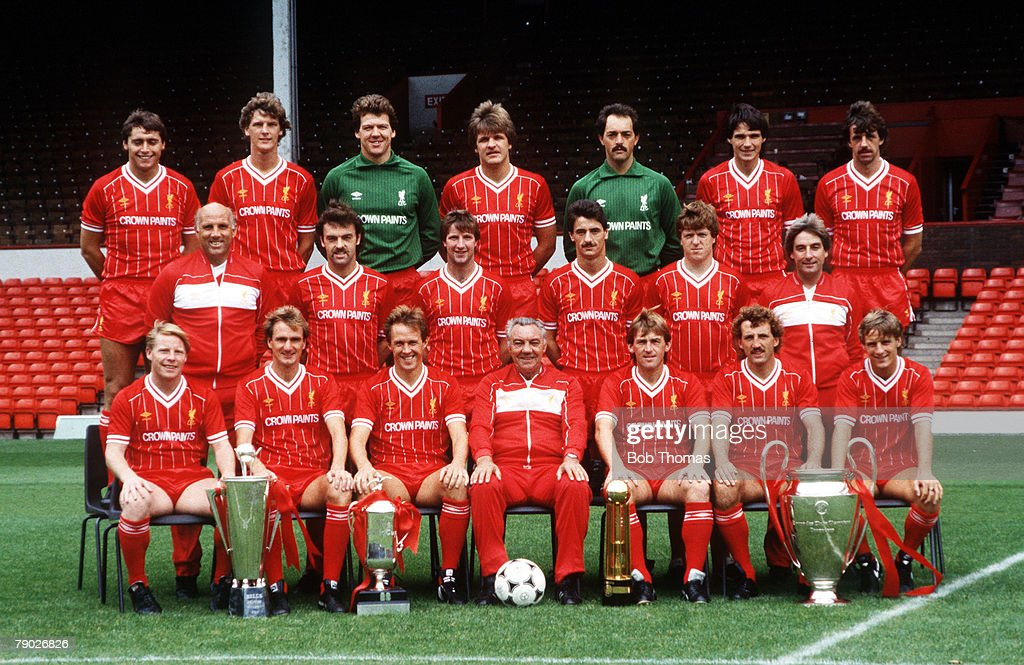 Sport. Football. Liverpool FC Team-Group 1984-85 Season. The Liverpool team pose together for a group photograph with the Manager of the Year, Milk Cup, League Championship, and European Cup trophies. Back Row L-R: Michael Robinson, Gary Gillespie, Bob Bo : ニュース写真
