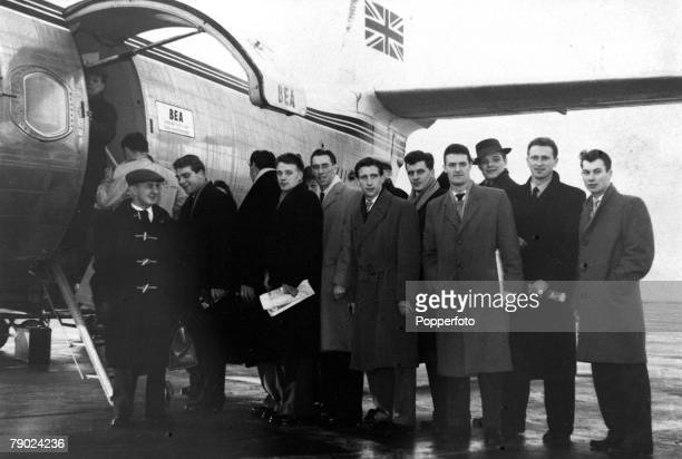 Sport Football Manchester England 3rd February 1958 The Manchester United team prepare to board their aeroplane at Ringway airport for the journey to...