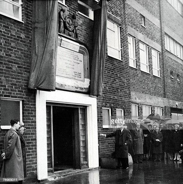Sport Football Manchester United manager Matt Busby unveils a memorial plaque to the victims of the Munich aircarsh at Old Trafford