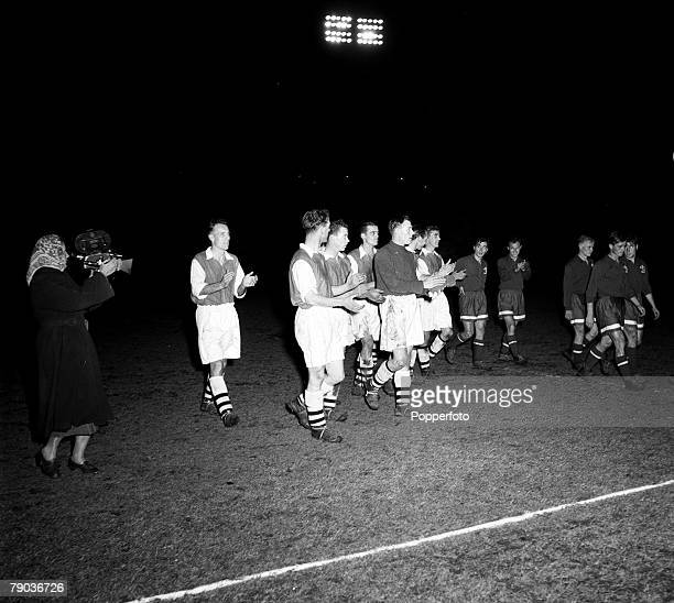 Sport Football Moscow Russia 5th October 1954 Friendly Dynamo Moscow 5 v Arsenal 0 Members of the defeated Arsenal team applaud their victors as they...