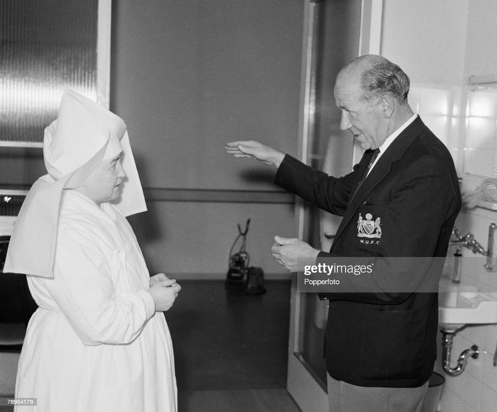 Sport, Football, Munich, Germany, 7th August 1959, Manchester United manager Matt Busby talks to one of the nurses who cared for him while he was in hospital following the teams fateful air crash some 18 months earlier