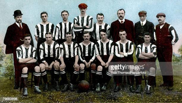 Sport Football Notts County FC circa 1906 Back row LR MrBurton FPEmberton ATJones AIremonger JMontgomery THarris AGreen Prescott Front row LR JDean...