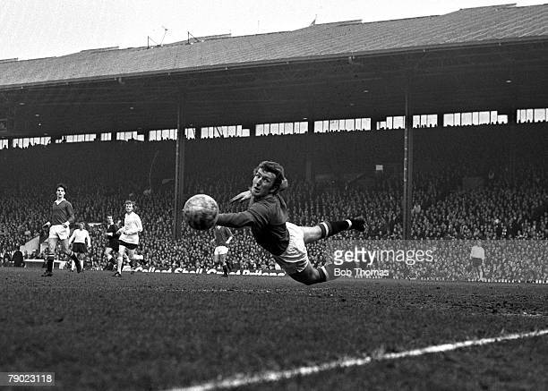 Sport Football Old Trafford England 18th March 1972 FA Cup Sixth Round Manchester United 1 v Stoke City 1 Manchester United goalkeeper Alex Stepney...