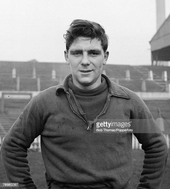 Sport, Football, Old Trafford, Manchester, England, 5th January 1954, Manchester United's Duncan Edwards training after being selected for England's...