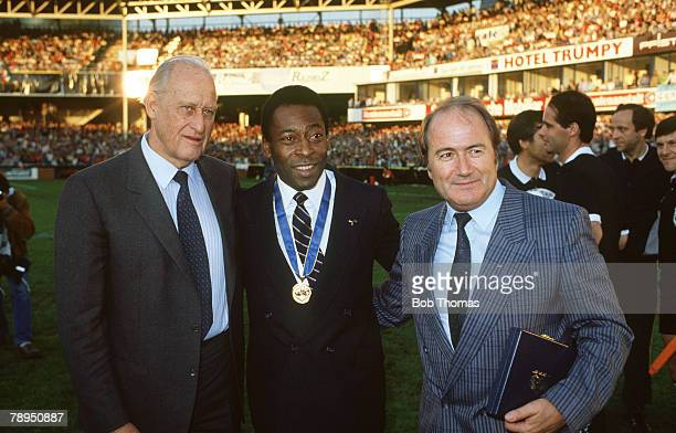 10th June 1987 FIFAExhibition Match in Zurich Italy 3 v Argentina 1 FIFAPresident Joao Havelange left with Brazil's Pele who won an award for...