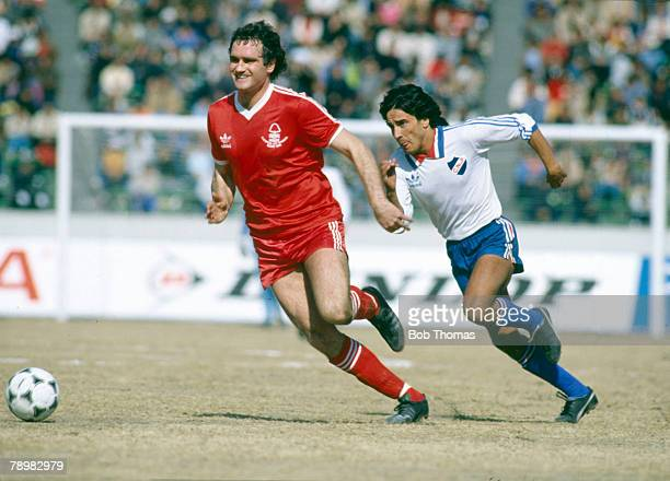 11th February 1981 World Club Championship in Tokyo Nottingham Forest 0 v Nacional 1 Nottingham Forest defender Larry Lloyd winning a race for the...