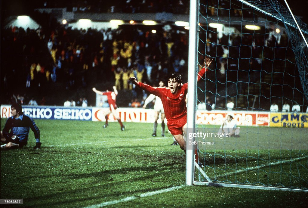 Sport. Football. pic: 11th May 1983. European Cup Winners Cup Final. Gothenburg. Aberdeen 2. v Real Madrid 1. a.e.t. Aberdeen's John Hewitt celebrates as he beats Real Madrid's goalkeeper Agustin to score the winning goal in extra-time. : News Photo