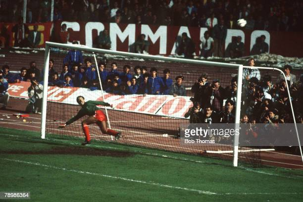 11th May 1984 European Cup Final Rome Roma 1 v Liverpool 1 aet Liverpool win 42 on penalties Liverpool goalkeeper Bruce Grobbelaar watches as a Roma...