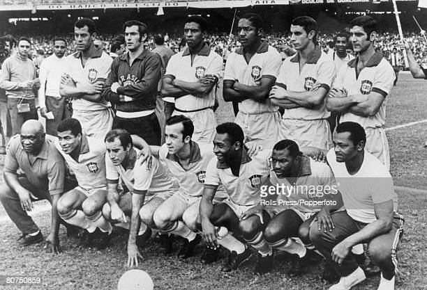 12th September 1969 International Match in Rio de Janeiro Brazil team group Back row leftright Carlos Alberto Felix Joel Djalma Dias Piazza Rildo...